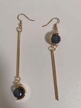 🚚 Uneven Earrings