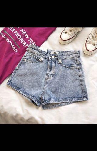 🚚 復古淺藍牛仔短褲