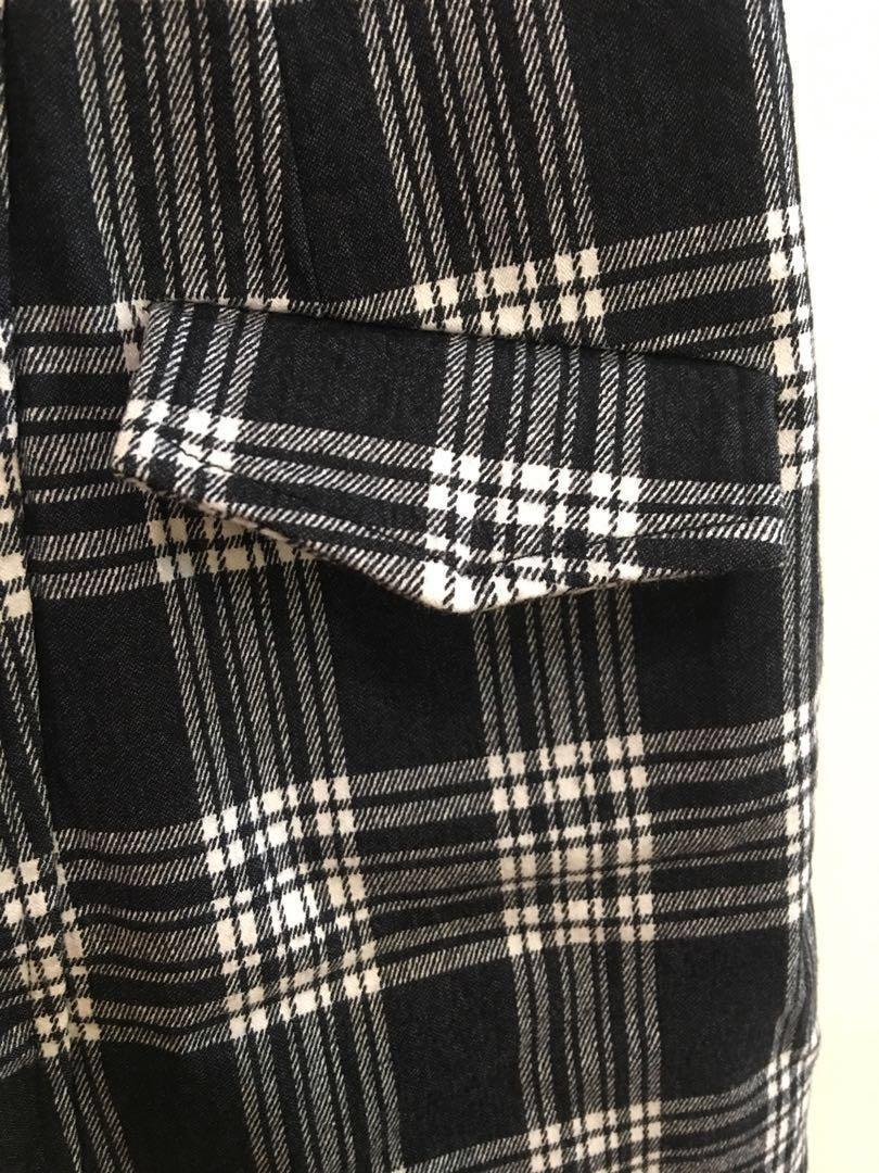 原價590⬆️Pazzo 百搭格子半身裙