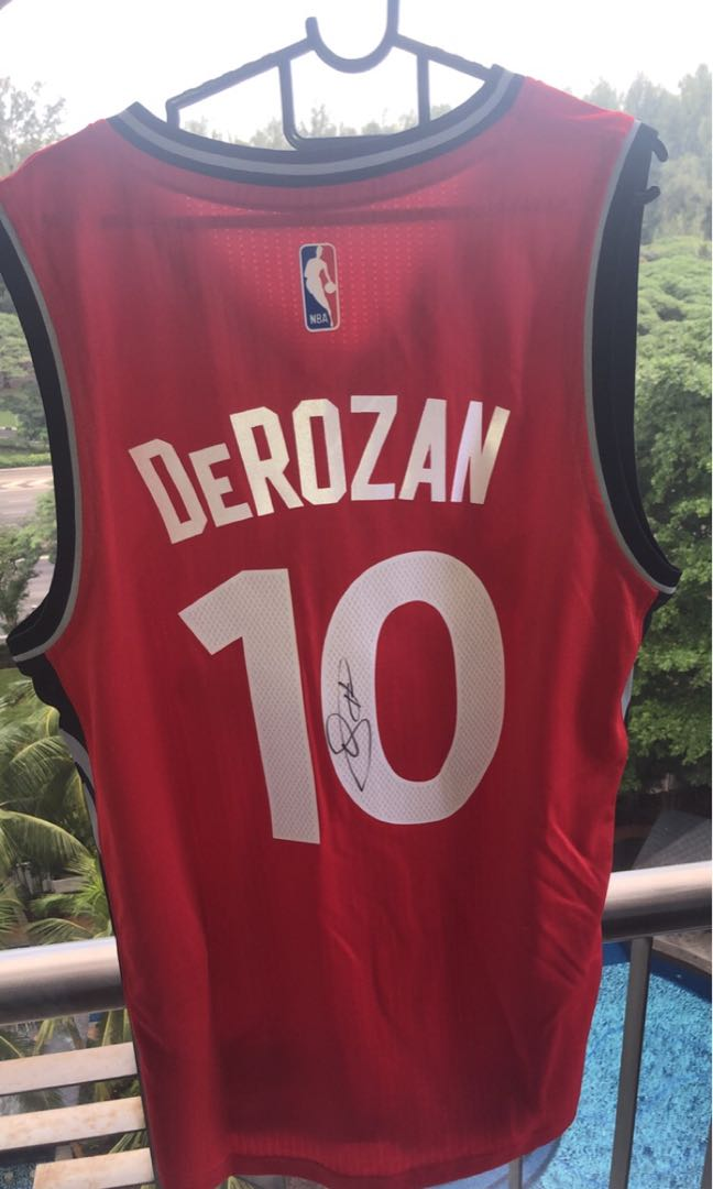 official photos 26311 66414 Authentic 2017/2018 NBA Champions Raptors Jersey Signed by DeMar DeRozan