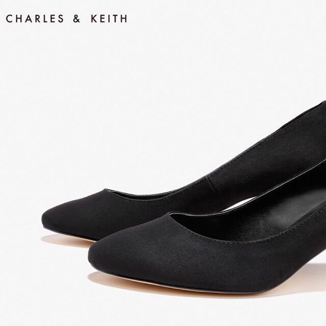 Charles & Keith Black Pump Heels Shoes Suede Ladies Fashion