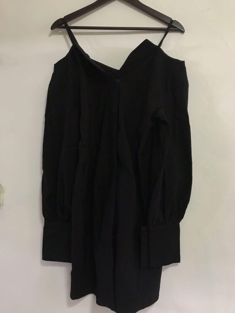 FRONT ROW Non Offshoulder Dress