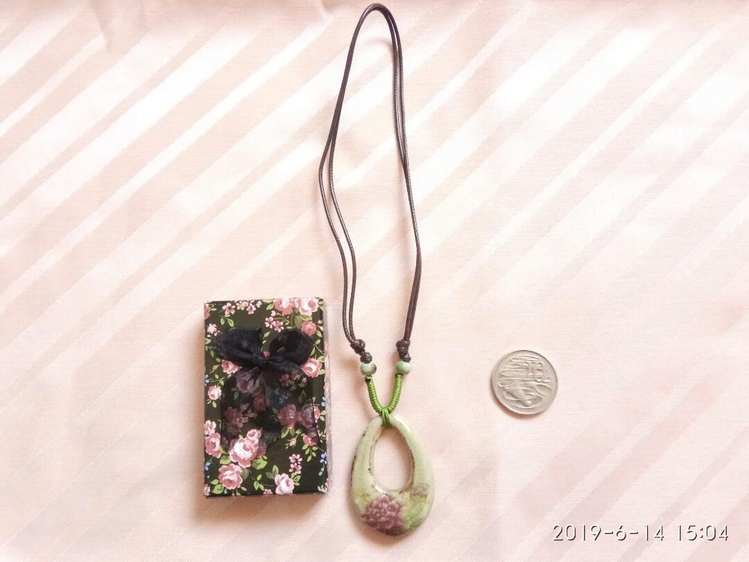Green floral stone necklace