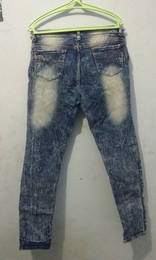 Jeans bercorak