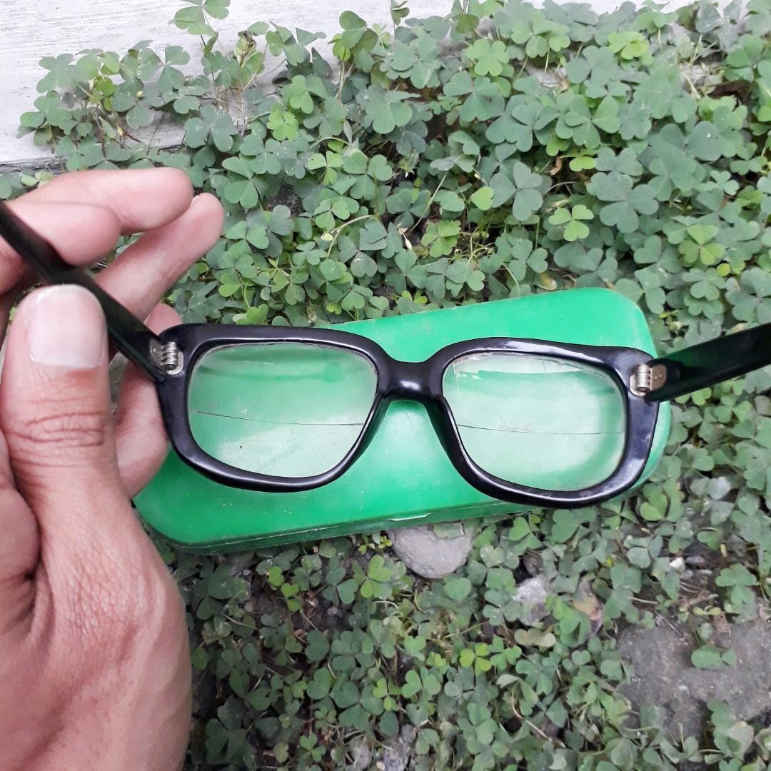 Kacamata Vintage Indo cangkang penyu