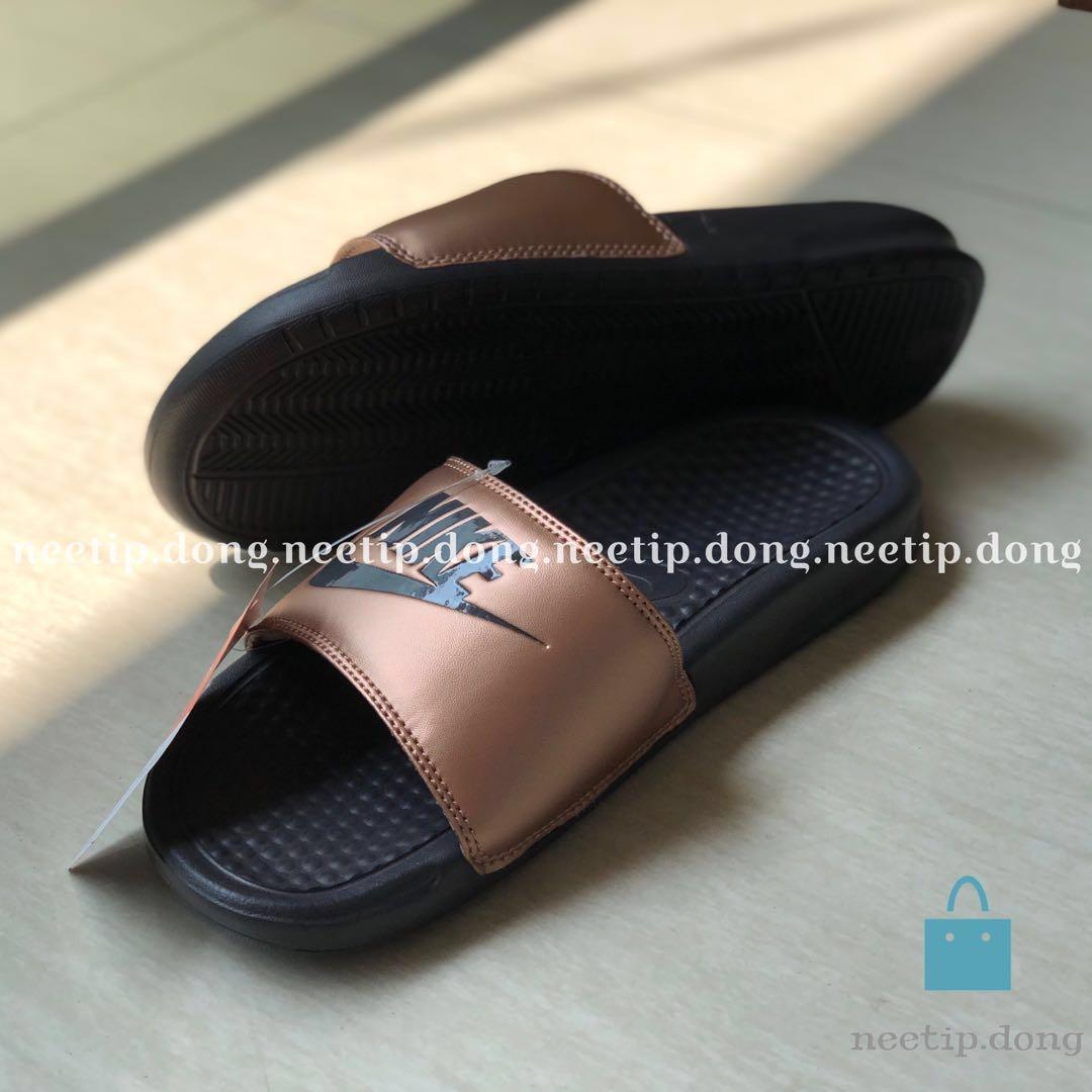 Nike Benassi Slide Slipper Sandal