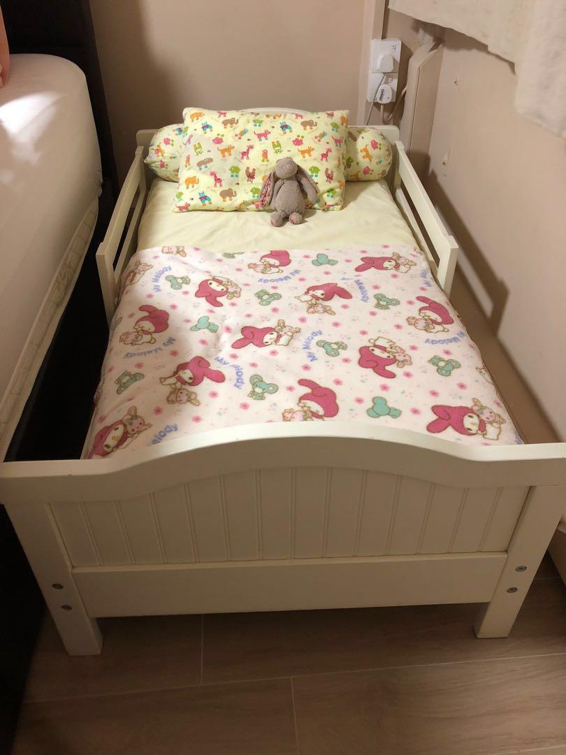 Picture of: Pottery Barn White Toddler Bed Frame Furniture Beds Mattresses On Carousell