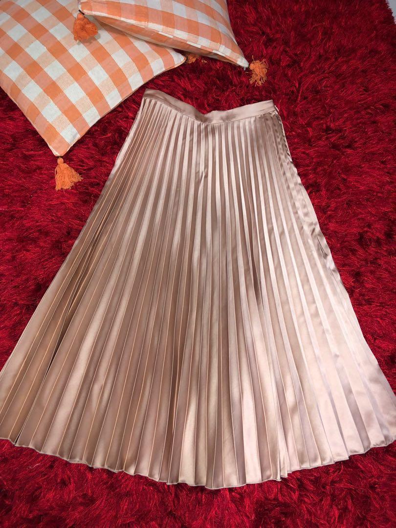Skirt for women 2019..pleated skirt Mango