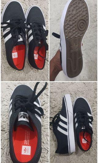 Adidas womens sneakers 100% new