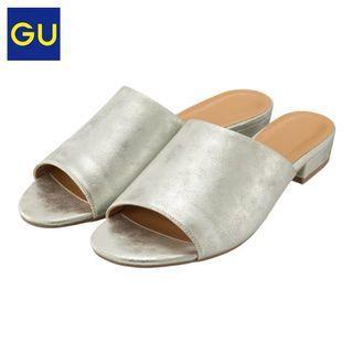 🚚 Gu銀色拖鞋涼鞋 M號 23.5~24
