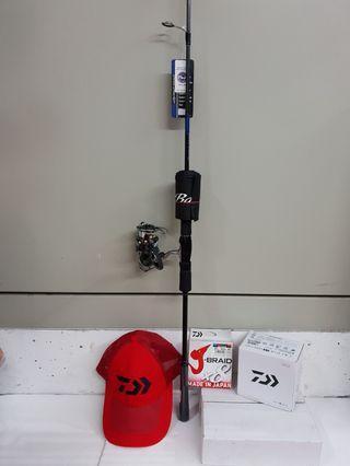 "(In Place with Just One time Offers Price Now.!!)The 'DAIWA' Mid-High End Spinn Reel Combo Set-'G-2'.)= Daiwa-CALDIA LT 3000-CXH.(Spinning Reel) + Daiwa-19' BULE BACKER LJ 62MS.(6'2"" 1sec. Pe#1-3 Jigging Rod) +J-BRAID ×8 Braided Line(#30lb)+ Daiwa Cap."
