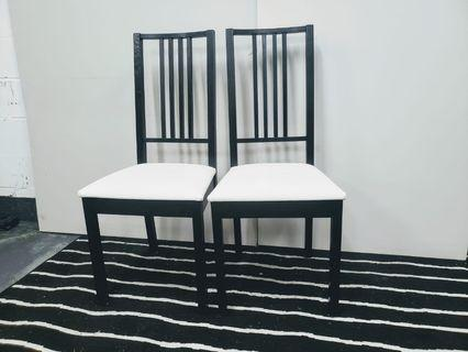 2 White Chairs for Sale.