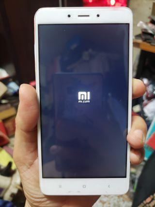 Xiaomi  Red Mi Note  4  LTE  5.5 inches display  3 gb ram  64 gb rom memory internal fingerprint sensor lock function can in memory card  ( read &see my carousell information other many mobile take me logo pictures inside see other mobile choose )