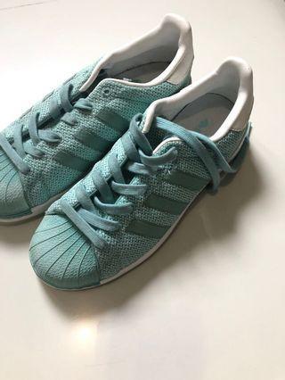 Sepatu Adidas Bounce