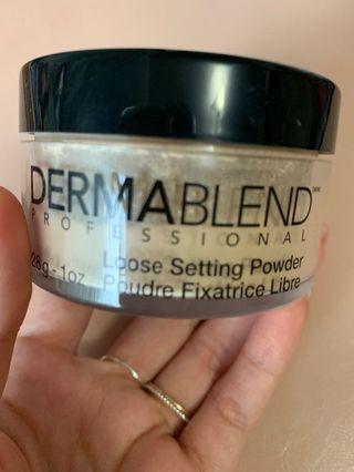Dermablend moose setting powder