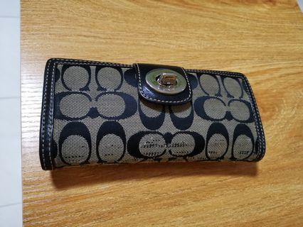 🚚 Used Coach Long Wallet authentic from USA