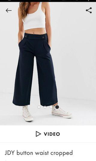 🚚 Dark blue cropped trousers