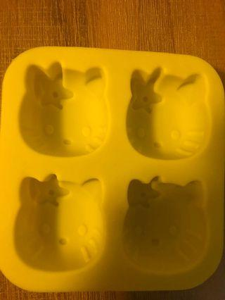 🚚 Hello kitty mould