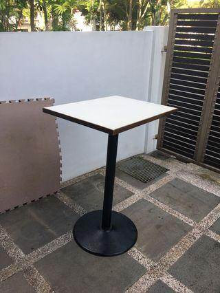 Bar table/ high table