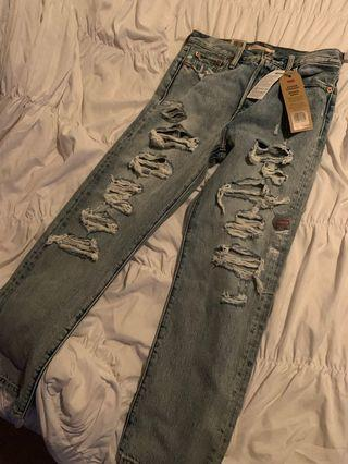 Super distressed Levi's wedgie fit BNWT size 26 price FIRM