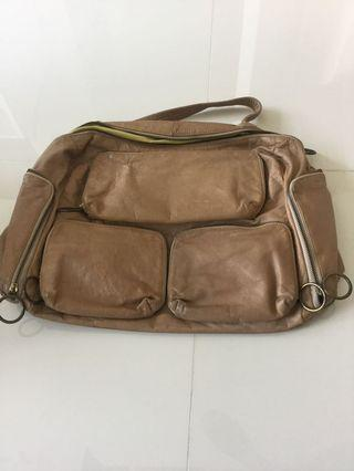 🚚 Leather Bag