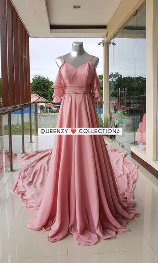 Long trail Gown for prenup for rent