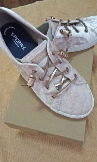 Sperry Size 39
