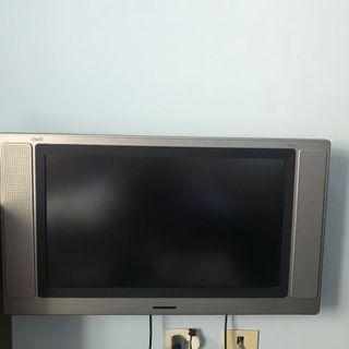 🚚 普騰32G液晶電視, 功能正常。面交地點高雄小港