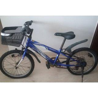 "Kids 6 gear blue Spalding ""Sword"" bike with basket and light"