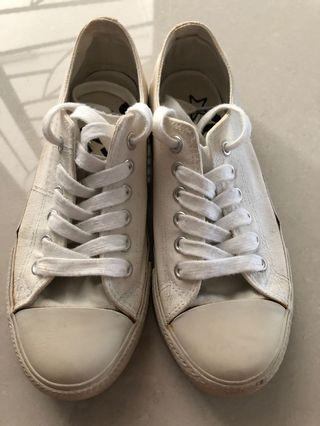 North Star white canvas/ sneakers shoes