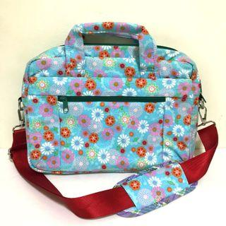 🚚 Blue Flower Print Sling Bag
