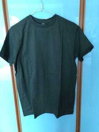純綠色T-shirt