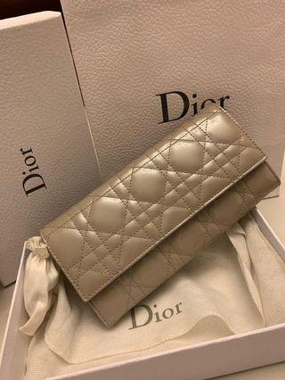 Dior wallet with chain