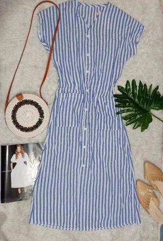 Buttondown Dress with belt included