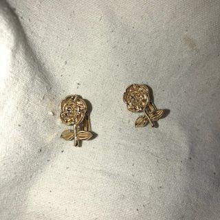 🚚 復古金色玫瑰耳夾