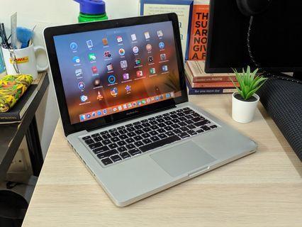 Macbook Pro 13 Core i7, 256GB SSD, 4GB RAM