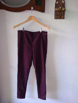 H&M divided maroon pants