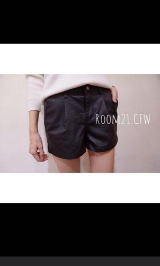 正韓 Room21 黑色皮革短褲