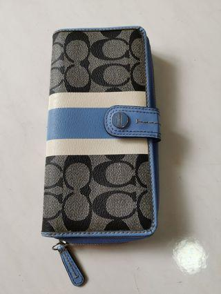 Used Coach Long Wallet light blue color great condition authentic
