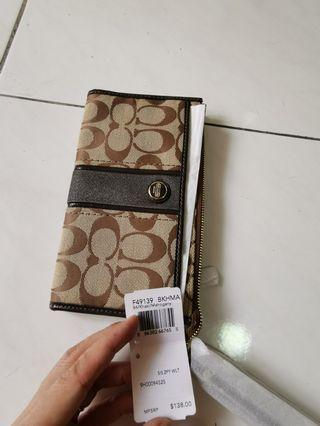 Brand new Coach Wallet 100% authentic from USA