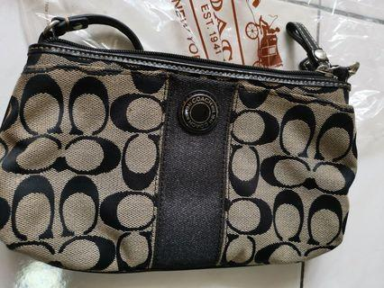 Used Coach Wristlet great condition 100% authentic