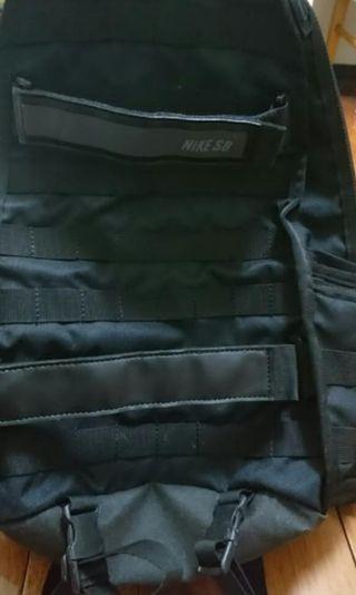 Nike 經典款黑色軍事後背包