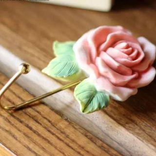 Country style rose hook