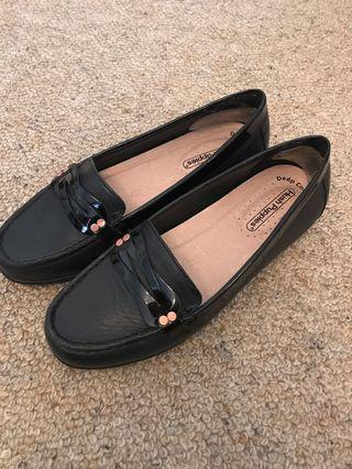 Hush puppies work shoes