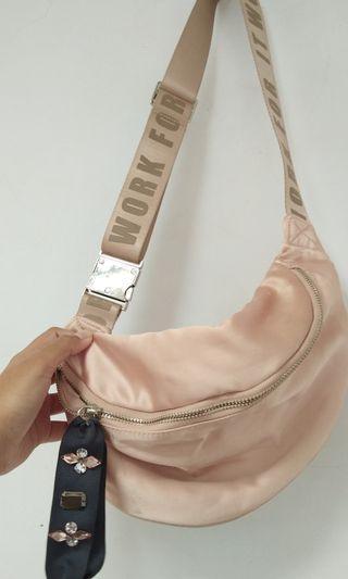 Waist bag STRADIVARIUS
