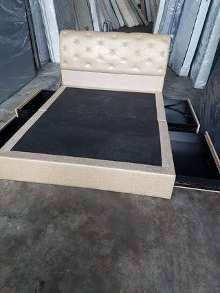 Queen size wooden bed frame with four drawer