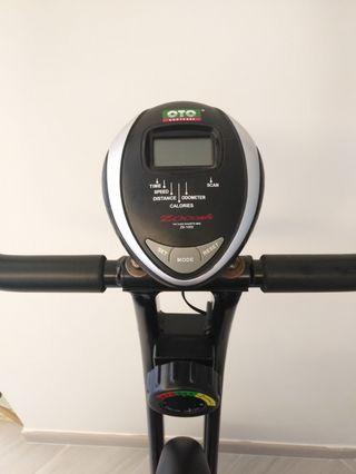 OTO健身單車(代售)