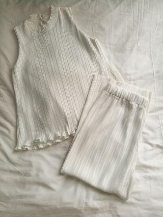 White pleated set