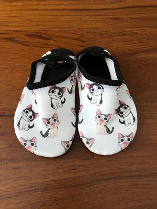 Baby toddler kitty cat aqua shoes size 27