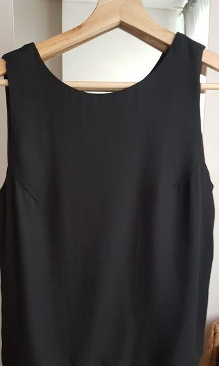 Chiffon top with slit on hand side